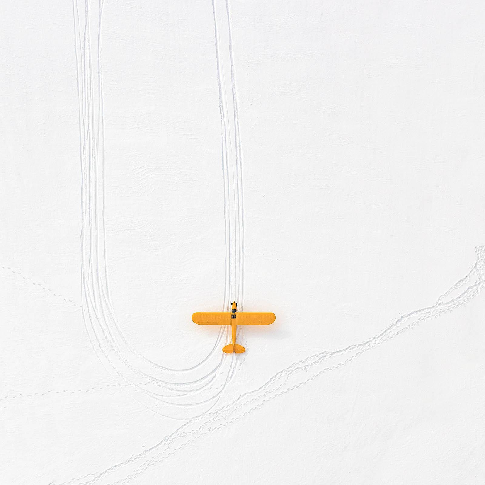 02 Yellow Plane
