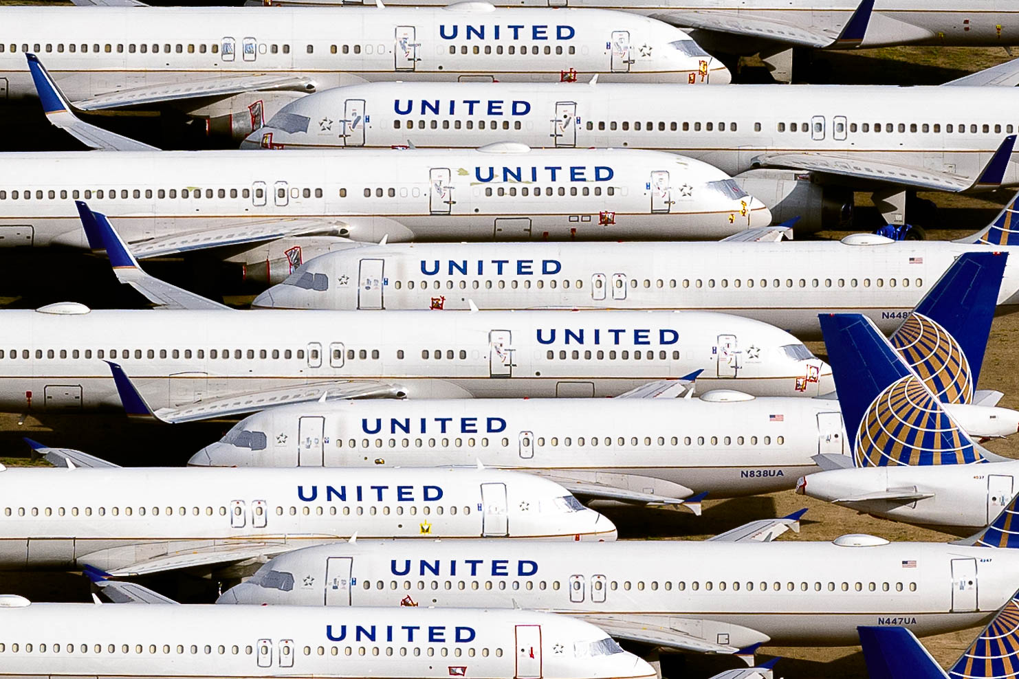 United Airlines fleet of A319 and B737 stored at Roswell, New Mexico (May 2020)