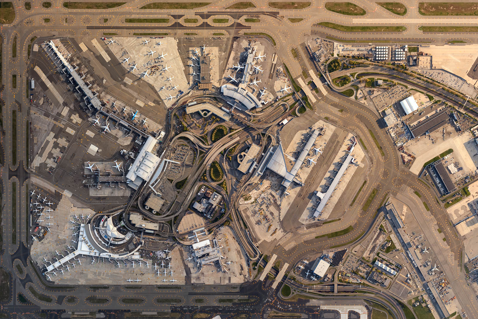 JFK airport during the peak of COVID-19 crisis (May 2020)