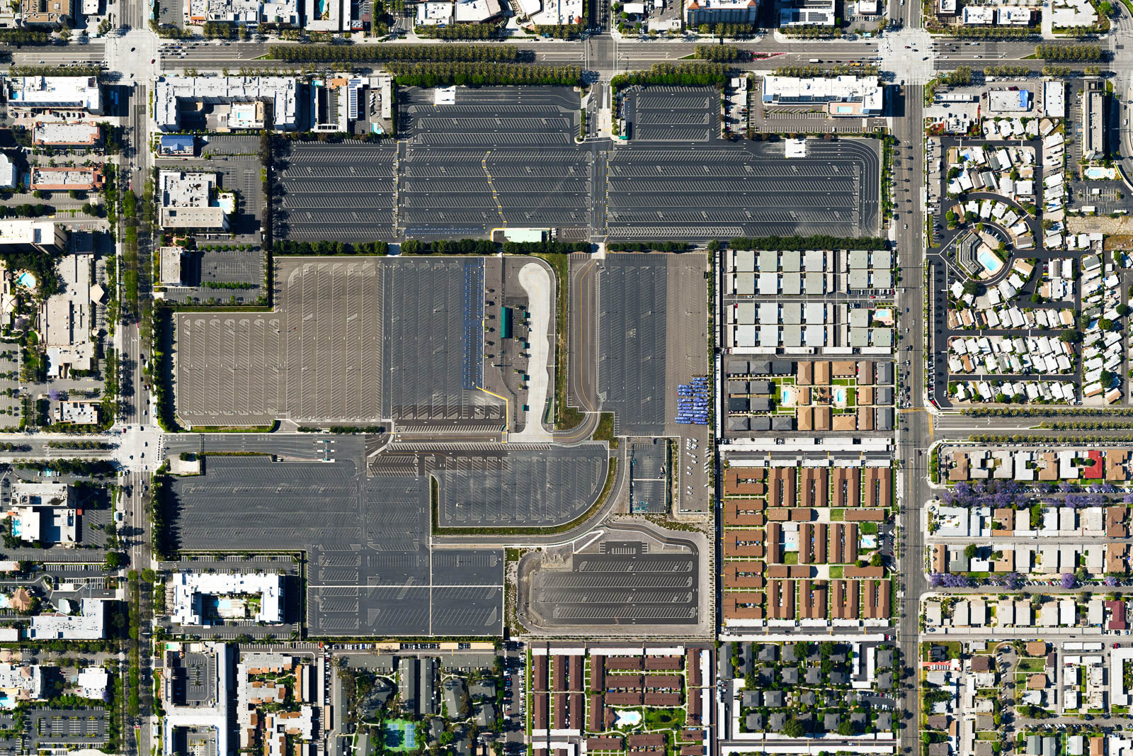 Anaheim Disneyland's parking lot stands vacant in the midst of the COVID-19 pandemic (May 2020)