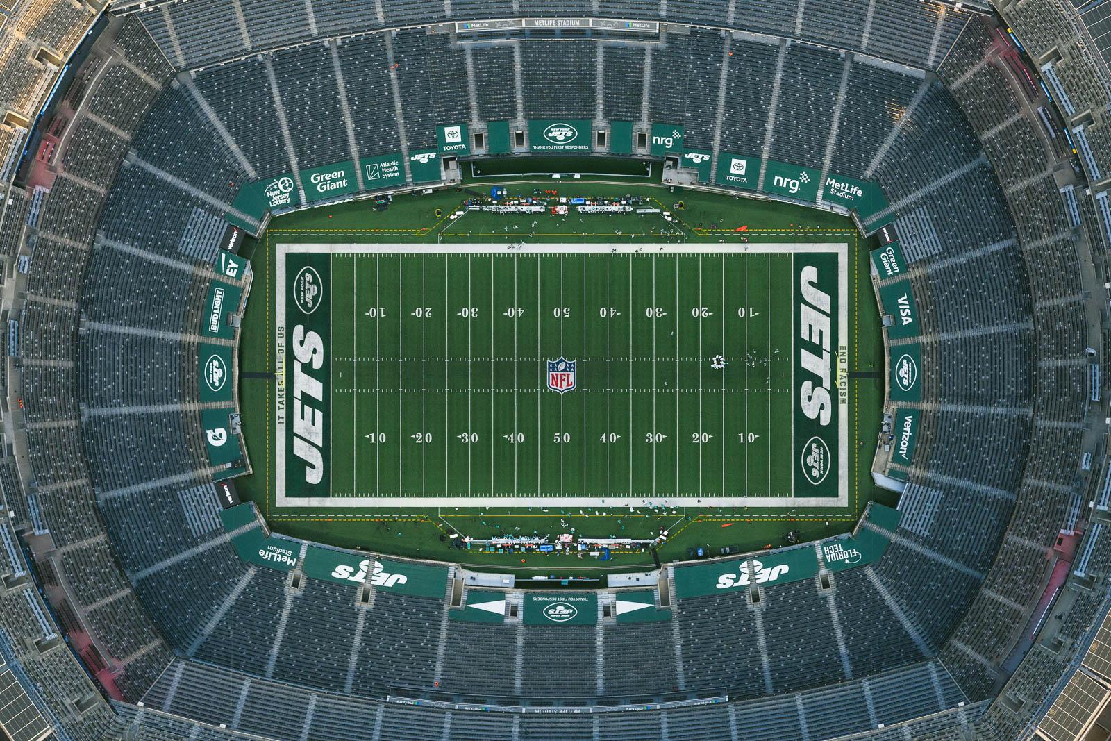 NY Jets plays Miami Dolphins at the empty MetLife Stadium (Nov 11, 2020)